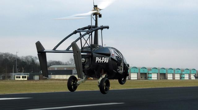 Bir Uçan Araba Daha Havalandı!