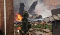 Savaş Uçağı Evlerin Üzerine Düştü