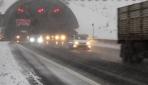 Bolu Dağı'nda yoğun kar, ulaşımı olumsuz etkiliyor