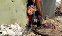 Binlerce kişi yardım bekliyor: Su, yemek, kıyafet yok