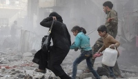 Suriyede savaş uçakları kaçan sivilleri vurdu