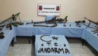 Hakkari ve Nusaybinde silah ve mühimmat ele geçirildi