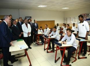 Erdoğan öğrencilerle sohbet etti