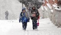 Bingöl Karlıovada eğitime 2 gün kar engeli