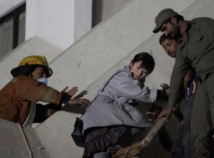 Pakistanda otelde yangın