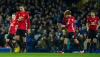 Manchester United 1-1 eriyor