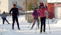 Caddelerde kayak yaptılar