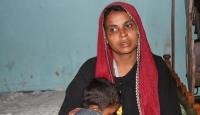 Myanmar askerleri yanan evin içine oğlumu attı