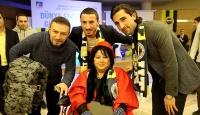 Fenerbahçeli futbolcular engelli gençlerle buluştu
