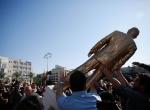 Tel Avivdeki izinsiz Netanyahu heykeli kaldırıldı