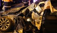 Kazada sıkışan sürücüyü itfaiye kurtardı