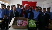 Yüreği büyük öğrencilerden Irak sınırına hediye