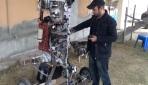Hurda parçalarından robot tasarladı