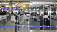 Alman diplomatlara ayrıntılı pasaport incelemesi