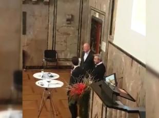 İsviçrede Can Dündarın katıldığı panelde arbede