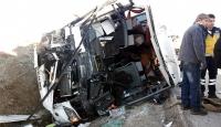 Afyonkarahisarda yolcu otobüsü şarampole devrildi