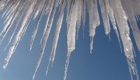 Dikkat! Buz sarkıtları tehlike saçıyor