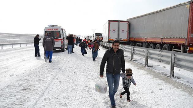 Aksaray-Adana karayolunda 36 araç birbirine girdi