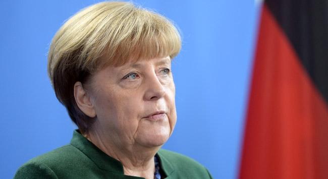 Merkel Brexit anlaşmasını memnuniyetle karşıladı