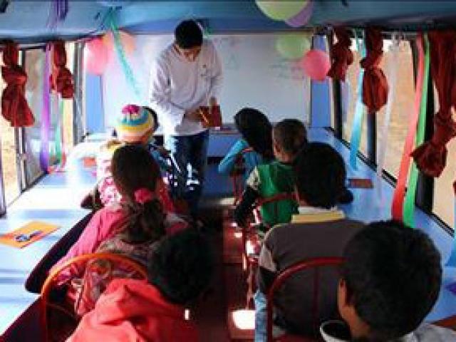 Suriyede eğitim için yeni bir alternatif: Mobil okul
