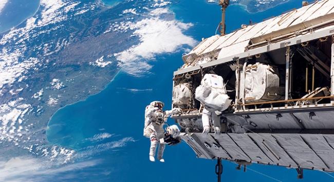 Uluslararası Uzay İstasyonunda uzay yürüyüşü