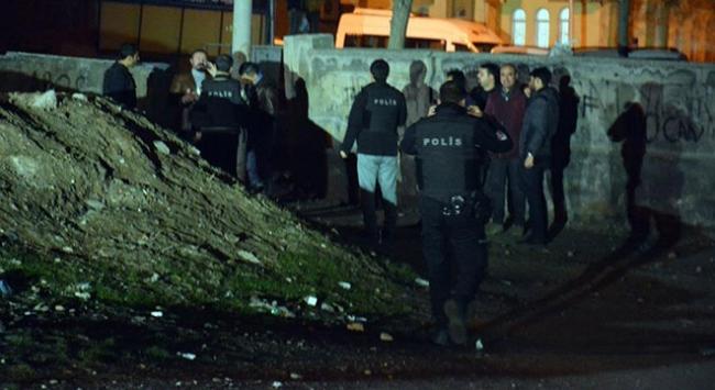 Diyarbakırda polis kontrol noktasına saldırı