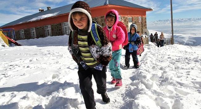 Sosyal medyada gülümseten kar tatili mesajları