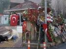 İzmirliler şehit Sekin'in köpeği Zeytin'i unutmadı