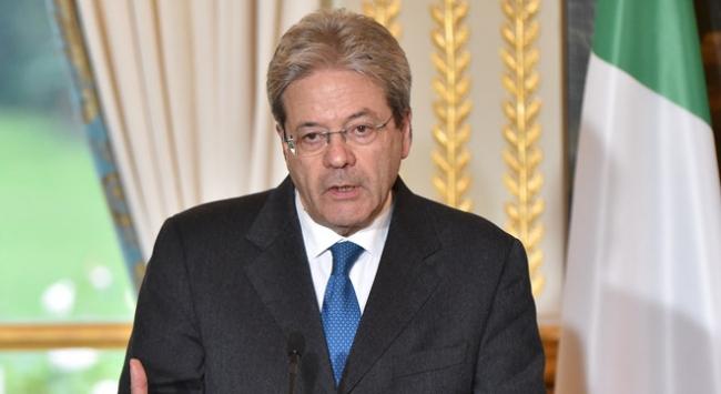İtalya Başbakanı Gentiloni uçakta rahatsızlanarak hastaneye kaldırıldı