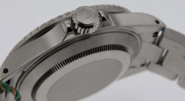 Milyonlarca dolar değerinde sahte saatlere el konuldu
