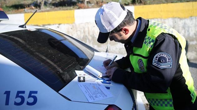 İstanbulda günde 6 bin sürücüye trafik cezası kesildi