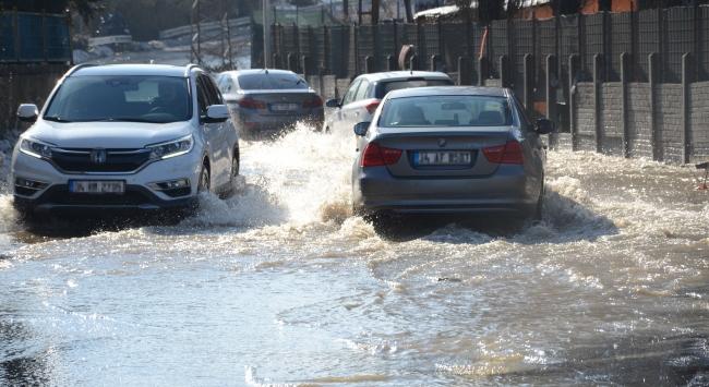 İstanbulda yağış hayatı olumsuz etkiledi