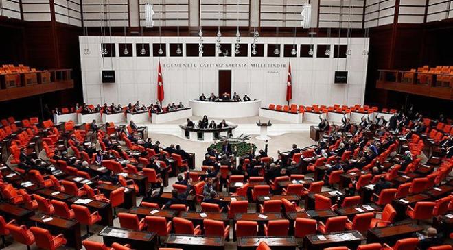 Anayasa değişikliği teklifinin 6. maddesi kabul edildi