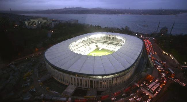 Beşiktaş Vodafone Arenanın çatısı yükselecek