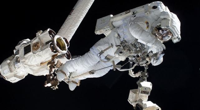 UUİde astronotlar uzay yürüyüşüne çıktı