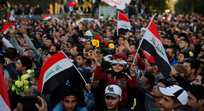 Irakta yüzlerce kişi sokaklara döküldü