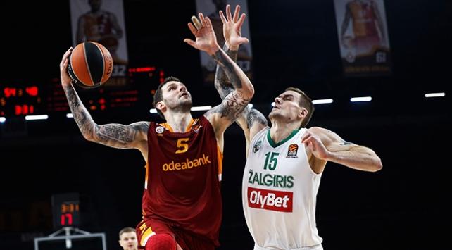 Galatasaray evinde kaybetmedi