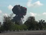 Taylandda gösteri uçağı böyle düştü