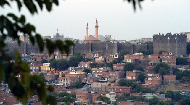 Diyarbakırda 2 ilçede sokağa çıkma yasağı kaldırıldı