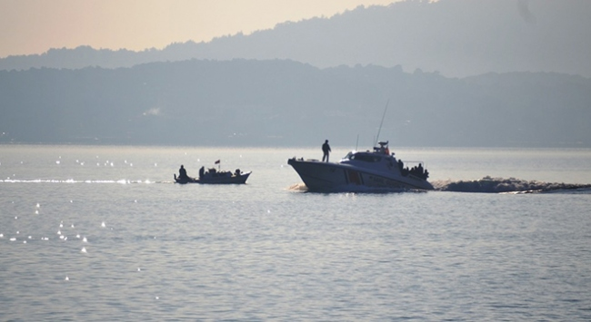 İzmirde göçmen kaçakçılığı operasyonu