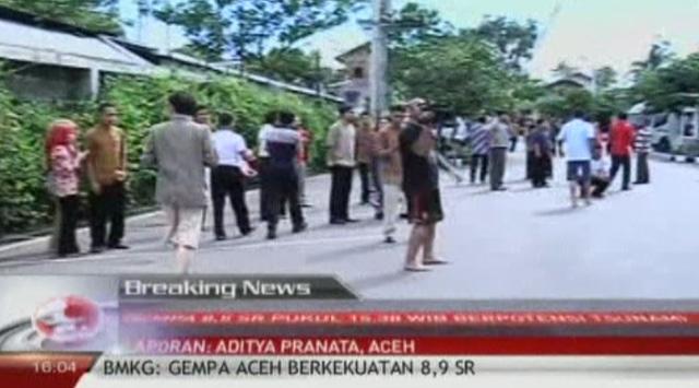 Endonezyada Deprem Üzerine Deprem