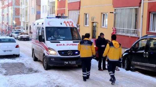 5 çocuk annesi bıçaklanarak öldürüldü