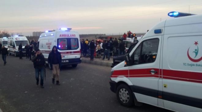 Diyarbakırda polis ekibine terör saldırısı