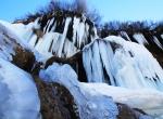 Dipsiz Göl Şelalesi buz tuttu