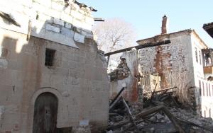 Muğlada tarihi ev yıkıldı