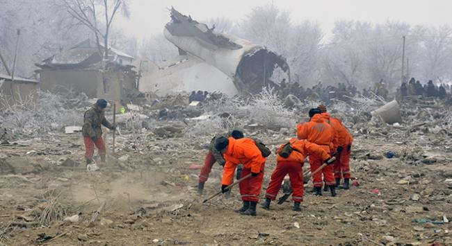 Kırgızistanda düşen uçağın kara kutuları için inceleme başlatıldı
