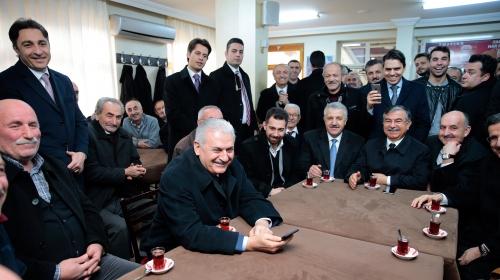 Başbakan Yıldırımdan sürpriz ziyaret