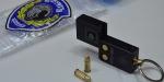 Anahtarlık tabanca polisi bile şaşırttı