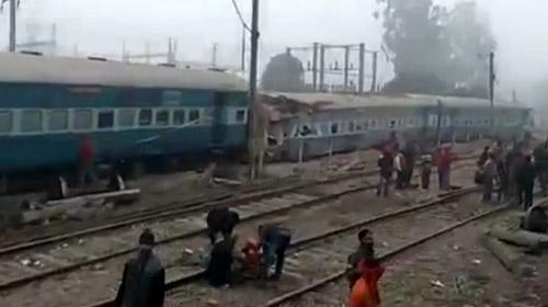 Hindistanda tren kazası