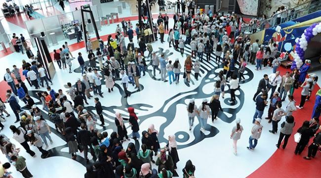Türkiyenin ilk bilim merkezine ziyaretçi akını
